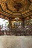 Архитектурноакустическая деталь фонтана в дворе husrev Gazi умоляет мечети Стоковое Изображение RF