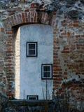 Архитектурноакустическая деталь oldl строя в городской Европе стоковое фото