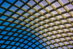 Архитектурноакустический конспект принятый потолка на Kogod Courty Стоковое фото RF