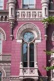 Архитектурноакустическое историческое здание с окном и балконом Стоковое фото RF