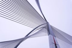 Архитектурный дизайн на мосте стоковые фотографии rf