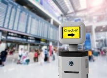 Ассистентский робот в авиапорте Стоковое Изображение RF