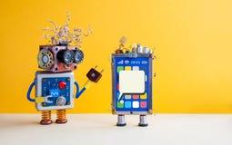 Ассистент робота Smartphone Творческий прибор мобильного телефона экрана касания дизайна, карточка sim конденсаторов электрическо Стоковые Изображения RF