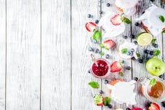 Ассортимент варениь ягоды и плода стоковая фотография
