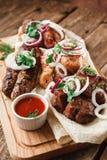 Ассортимент зажаренного мяса Аппетитный обед Стоковые Фото