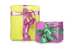 ассортимент кладет подарок в коробку стоковое изображение rf