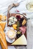 Ассортимент плиты сыра различных типов сыра Стоковое Фото