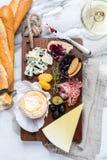 Ассортимент плиты сыра различных типов сыра Стоковая Фотография RF