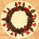 Ассортимент свежо скомплектованных ягод на белой предпосылке сформированной как круг стоковые изображения