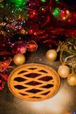 Ассортимент традиционного рождества семенит пироги с предпосылкой рождества Стоковые Фото