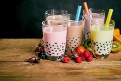 Ассортимент milky чаев пузыря с плодоовощ стоковая фотография