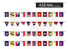 Ассоциация АСЕАН юговосточных азиатских наций и различный флаг нации формы членства страны повиснули на карте поляка и мира Стоковые Фото