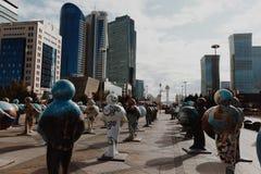 АСТАНА, КАЗАХСТАН - 13-ОЕ СЕНТЯБРЯ 2017: Установка искусства в Стоковая Фотография RF