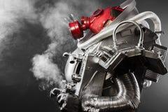 Астронавт, ратник фантазии с огромным космическим оружием Стоковые Фото