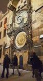 Астрономические часы и башня в старой городской площади города Праги стоковое фото rf