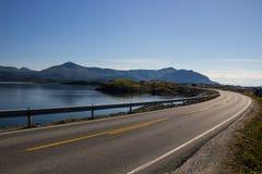 Атлантическая дорога около Molde в южной Норвегии Стоковые Фото