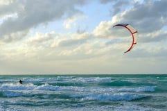 атлантический заниматься серфингом океана человека змея Стоковые Фотографии RF