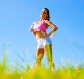 атлетическая работая женщина стоковые изображения rf