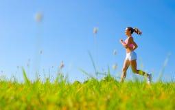 атлетическая работая женщина стоковые фото