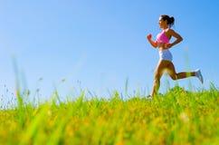 атлетическая работая женщина стоковая фотография rf