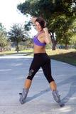 атлетическое красивейшее rollerblader outdoors 4 Стоковое Фото