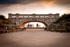 атмосферическое заднее небо моста Стоковое Изображение