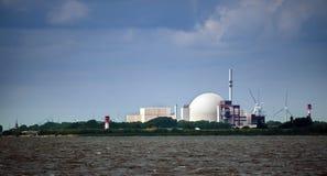 Атомная электростанция на Brockdorf, Шлезвиг-Гольштейне в северной Стоковое фото RF