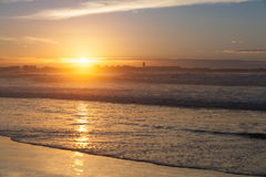Атлантическое побережье на заходе солнца, Португалия Стоковые Изображения RF