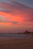 Атлантическое побережье на заходе солнца, Португалия Стоковые Изображения
