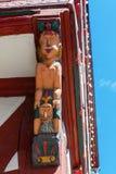 Атлас на историческом здании в Herborn, Германии стоковая фотография