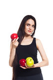 Атлетическая девушка с яблоками Портрет красивой кавказской молодой женщины спорта Стоковое Изображение