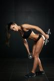 Атлетическая женщина стоковые фото