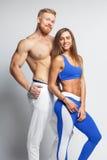 2 атлетических молодые люди - человек и женщина Стоковое фото RF