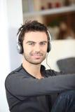 аудиоплейер человека Стоковая Фотография RF