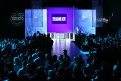Аудитория и подиум на неделе моды Volvo Стоковое Фото