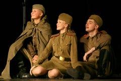 Аудитория музыкального спектакля - пенсионеры, пожилые ветераны Второй Мировой Войны и их родственники Стоковое фото RF