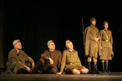 Аудитория музыкального спектакля - пенсионеры, пожилые ветераны Второй Мировой Войны и их родственники Стоковые Изображения RF