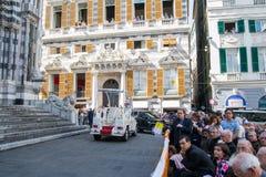 Аудитория для речи ans Папы Фрэнсиса его Папа Mobil Стоковое Изображение