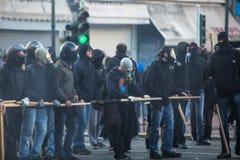 АФИНЫ, ГРЕЦИЯ - группы члена левой партии и анархиста ища упразднение новых максимальных тюрем безопасностью стоковые изображения