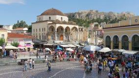 АФИНЫ - ГРЕЦИЯ, ИЮНЬ 2015: Взгляд квадрата Monastiraki