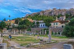 Афины, Греция - 7-ое сентября 2014 Туристы посещая старое Стоковое Изображение