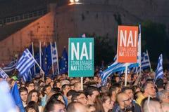 Афины, Греция, 3-ье июля 2015 Мэр Афин, греческие знаменитости и местное demonstrarte людей о предстоящем референдуме Стоковое Фото