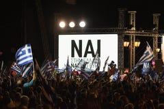 Афины, Греция, 3-ье июля 2015 Мэр Афин, греческие знаменитости и местное demonstrarte людей о предстоящем референдуме Стоковая Фотография RF