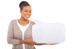 Африканская женщина держа пузырь речи Стоковые Фотографии RF