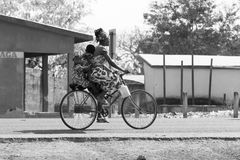 Африканская семья в велосипеде Стоковое Изображение RF