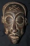 Африканская соплеменная маска - триба Bayaka стоковые изображения