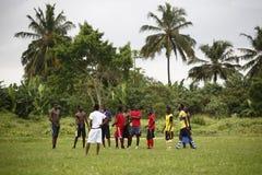 Африканская футбольная команда во время тренировки Стоковые Фото