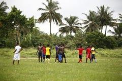 Африканская футбольная команда во время тренировки Стоковые Фотографии RF