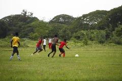 Африканская футбольная команда во время тренировки Стоковые Изображения RF
