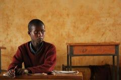 Африканские дети на школе, Танзании стоковые изображения rf